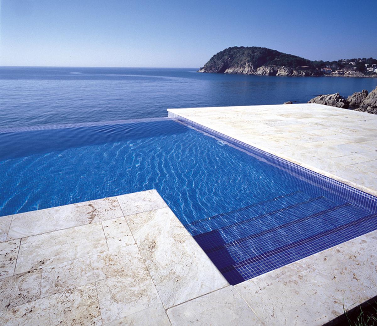 Traitement d eau piscine excellent pompe a chaleur for Traitement des piscines